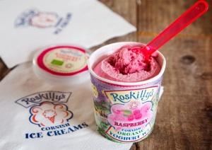 3_145_Original_Roskillys_Raspberry_Yoghurt_ice_b0cde0